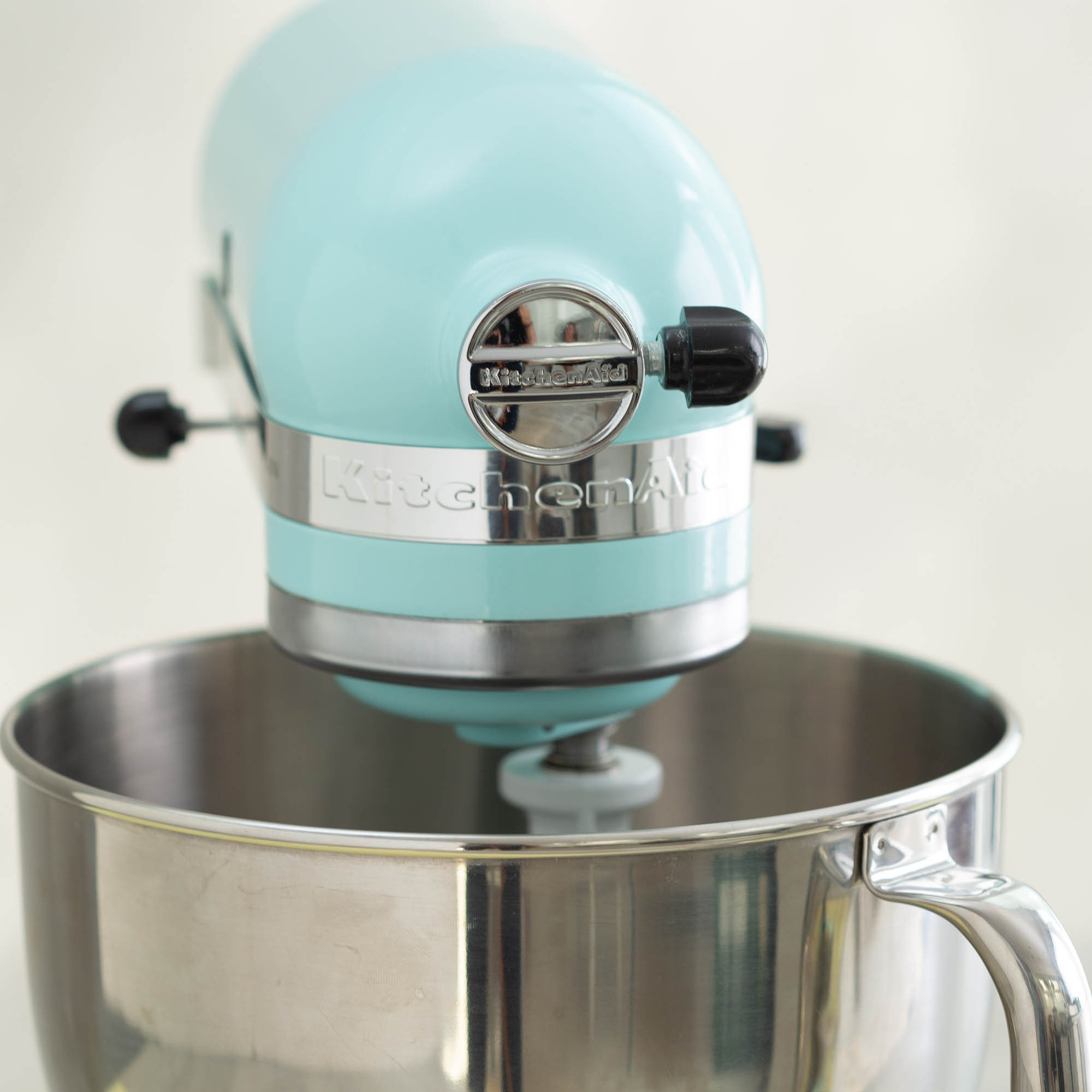 Baking gifts for mum - KitchenAid tilt head mixer
